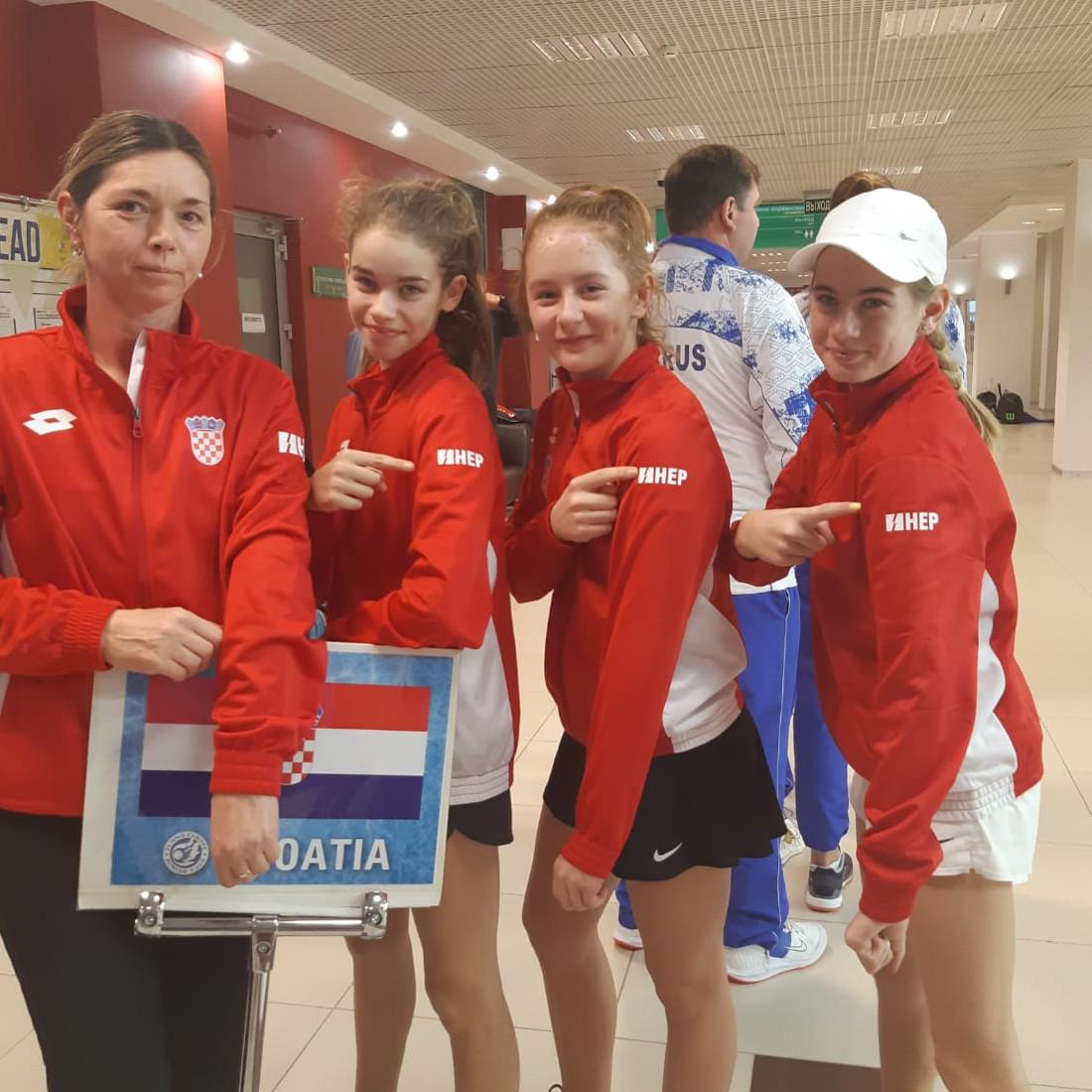 Dečki do polufinala kvalifikacijskog turnira Winter Cupa u Njemačkoj, cure u Rusiji